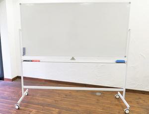 四ツ橋・サンワールドビル1号室 ハイグレード備品(ホワイトボード)